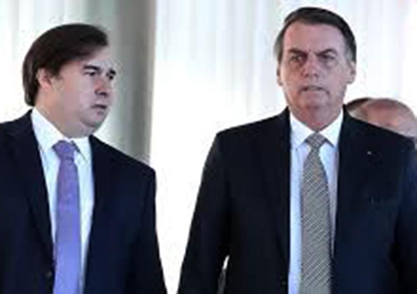 Maia disse que por amor a democracia, suportará Bolsonaro até 2022, mas ele terá que suportar até 2026