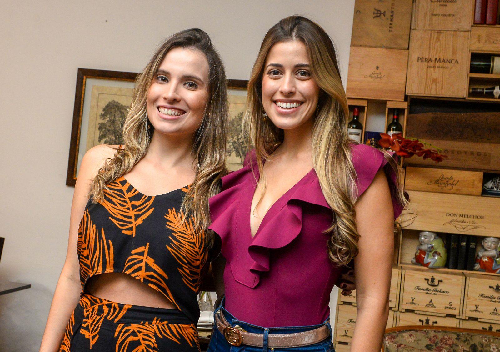 Camilla Stort comemorou seu aniversário jantando com amigas no Bistrê Trapiche Adega fotos de Valterio