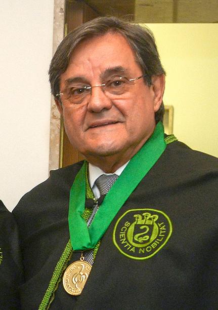 Dr. Antonio Carlos Vieira Lopes ginecologista obstetra é o destaque médico de hoje dia 10 de agosto de 2019