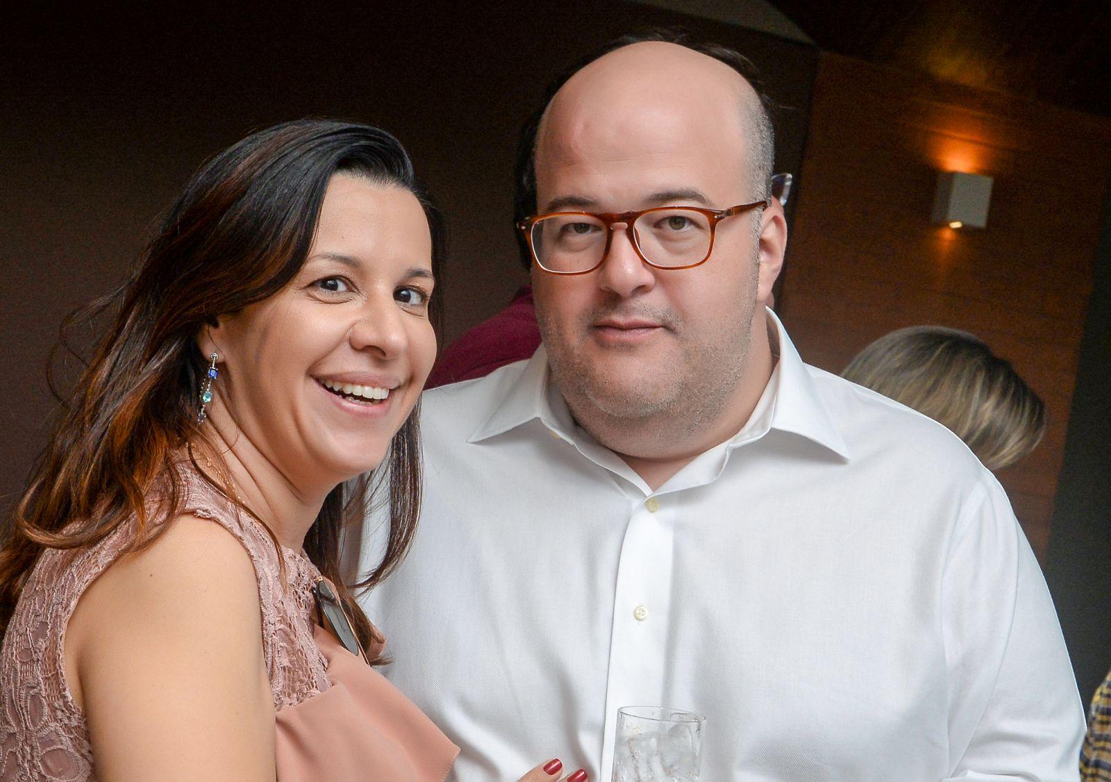 Flávia e seu esposo Ricardo Freire revendedor autorizado da Ford e Guebor Veículos em Salvador em destaque do dia