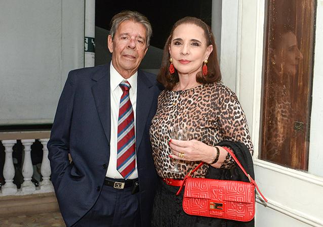 Cristina e Petter Copony o casal de namorados vai está presente hoje no jantar para namorado no Yacht Clube da Bahia