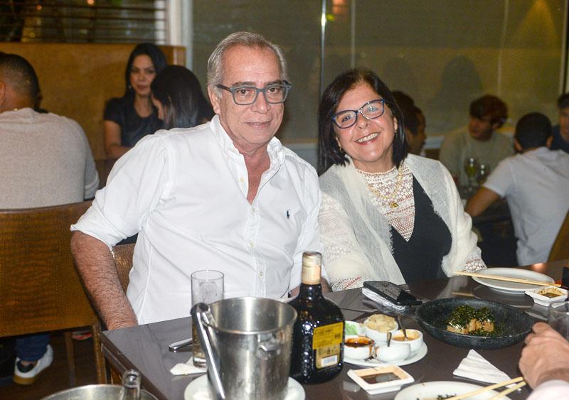 Alfedro Garcez e Laura Correia Ribeiro Jantando no restaurante Soho