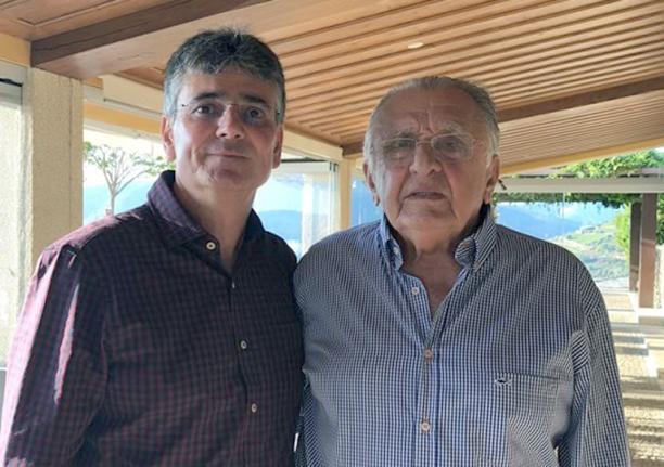 O engenheiro Antonio Andrade em Portugal para participar dos 81 anos de João Carlos Paes Mendonça. Ver mais...