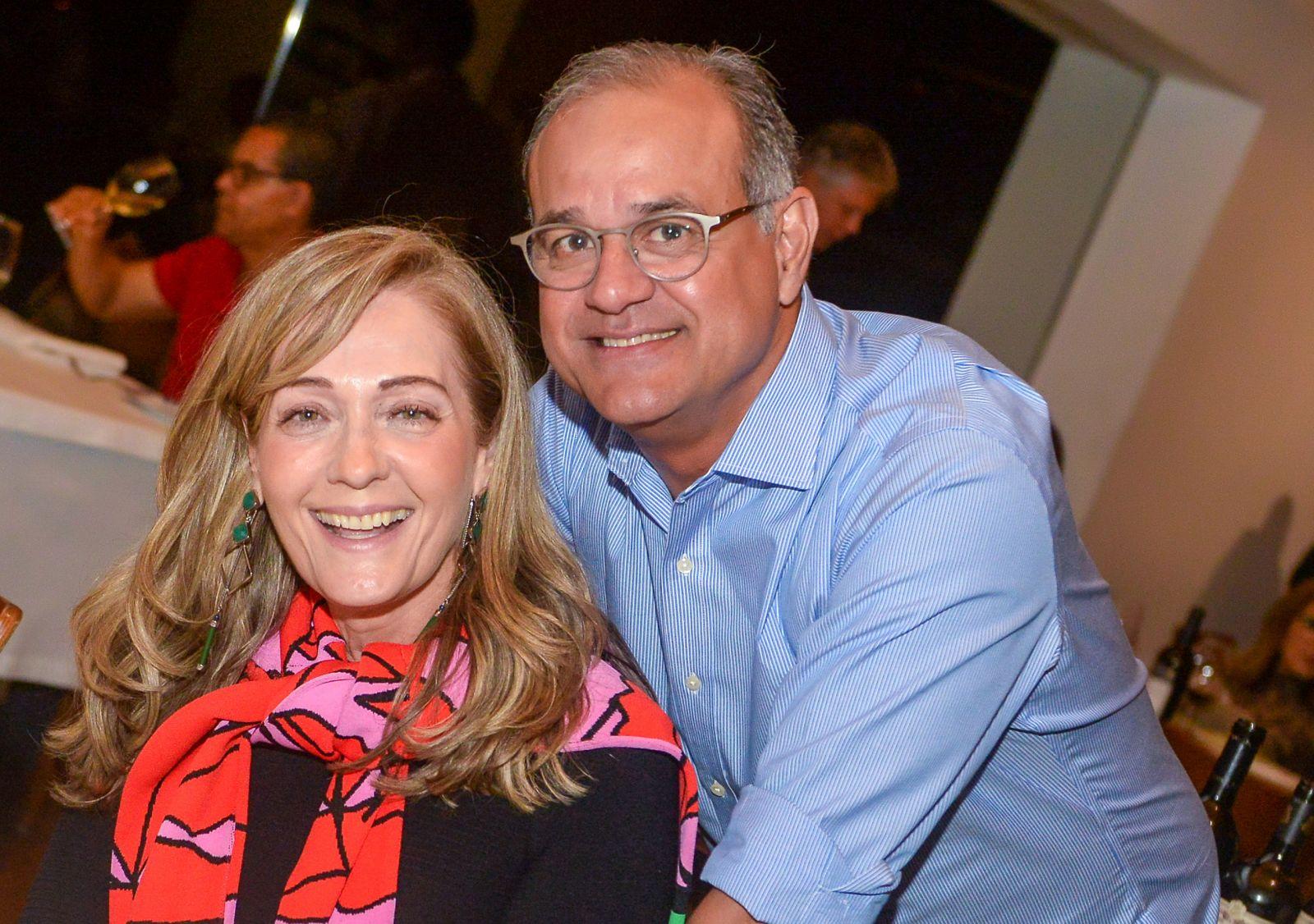 Maria Alice Mendonça a aniversariante do dia 19 de julho, na foto ela está com o esposo Mário Mendonça