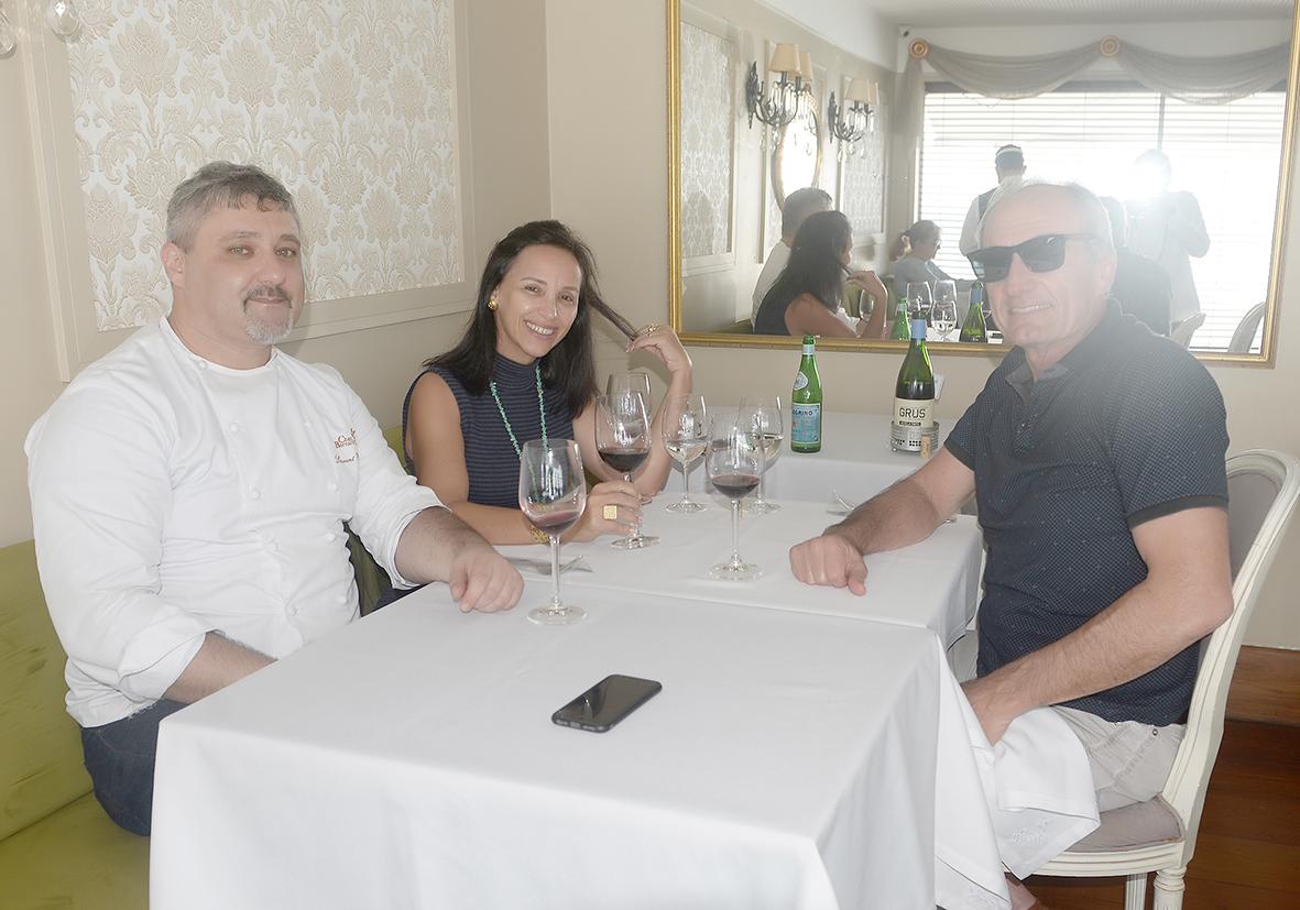 Laurent Rezzette chef de cozinha, recebeu Anita e Paulo Cavalcante para jantar no Chez Bernard, o melhor restaurante francês de Salvador