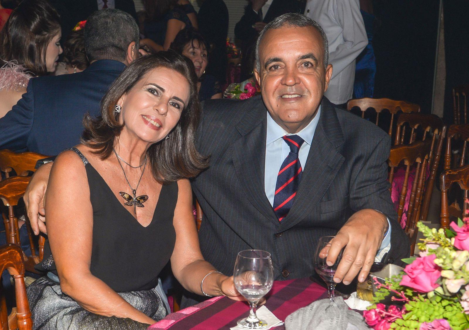 Alice e Claudio Neves o casal destaque de hoje dia 29 de julho de 2019