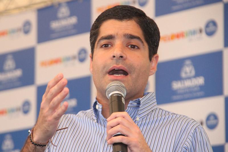 ACM Neto escreveu no seu Twitter que o PT e Ruy Costa foram derrotados no segundo turno a prefeitos.