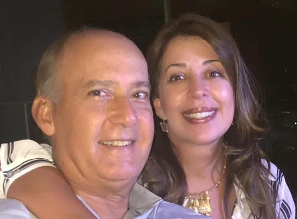 Heitor Cunha é o aniversariante de hoje dia 08, na foto ele está com sua amada Moema Pitanga.