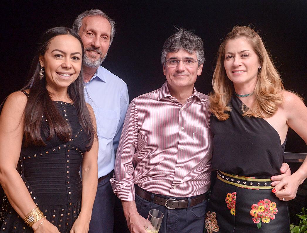 Destaque das Construções no Brasil e nos EUA, presentes no aniversário de Dr. Eduardo Pedreira. Ver mais...