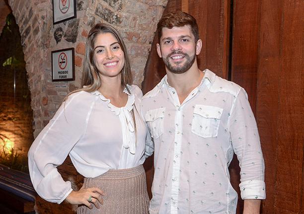 Rodrigo Hage e Daniela Sales já se casaram no civil e vão se casar no religioso no próximo dia 23 em Portugal