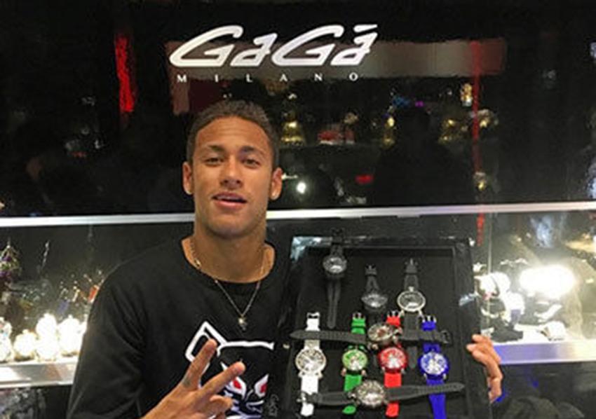 O luxo e as ostentações do craque Neymar Júnior.Vá na galeria e veja 24 fotos luxuosas do craque