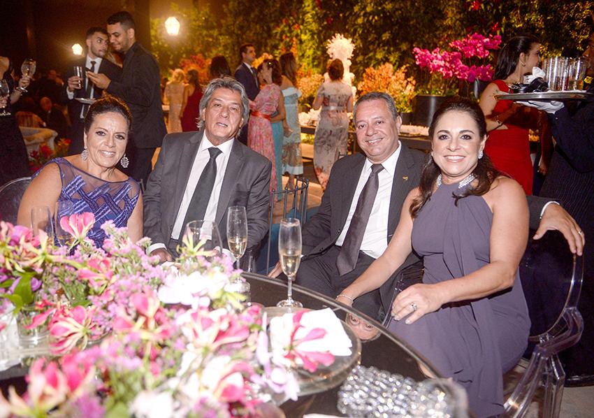 Maria Virginia e Fernando Jorge Carneiro, Maria Cláudia e Ricardo Alban é o destaque empresário de hoje 15/01/2019. Ver mais...