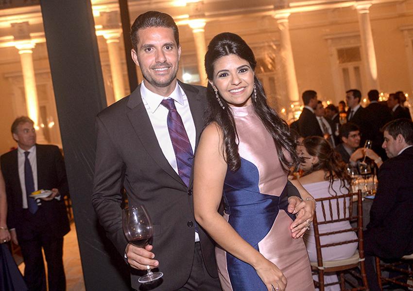 Thais Darzé Aouad e Rodrigo Aouad é o casal very special and very important de hoje dia 15/01/2019. Ver mais...