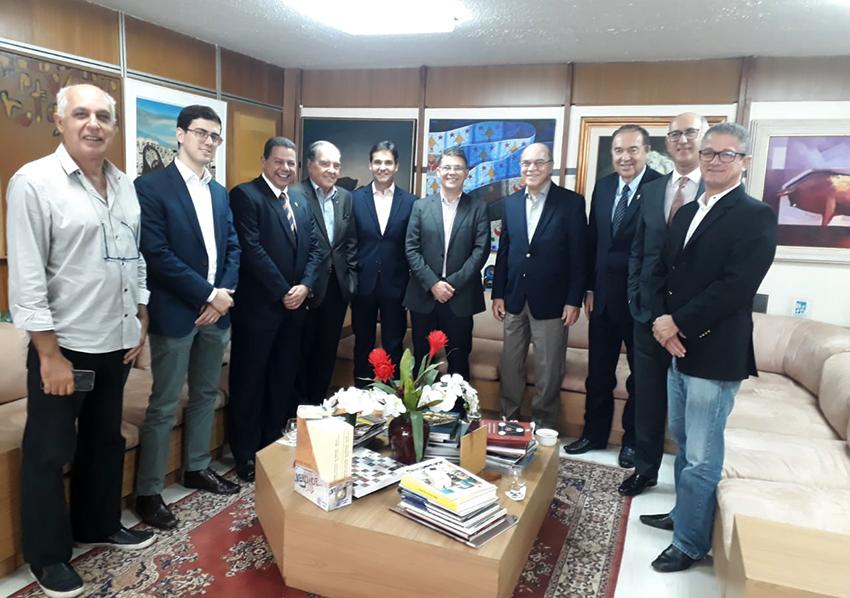 ADEMI prevê um aquecimento no mercado imobiliário, afirmação do seu presidente Claudio Cunha em almoço na Tribuna da Bahia