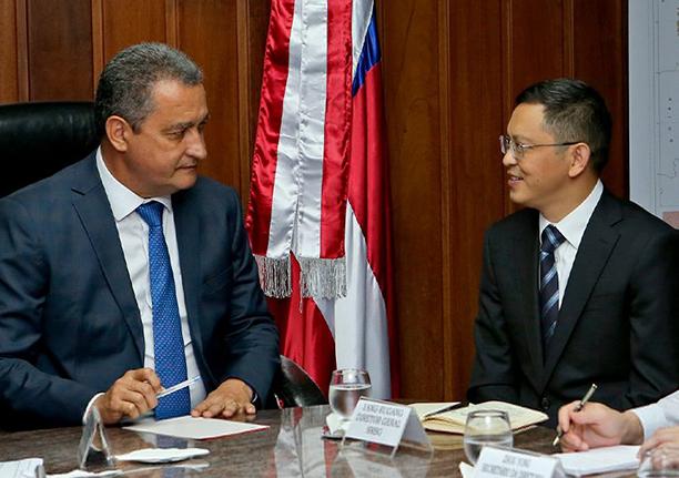 Rui Costa com o presidente da SRBG, empresa interessada no construção da ponte Salvador-Itaparica
