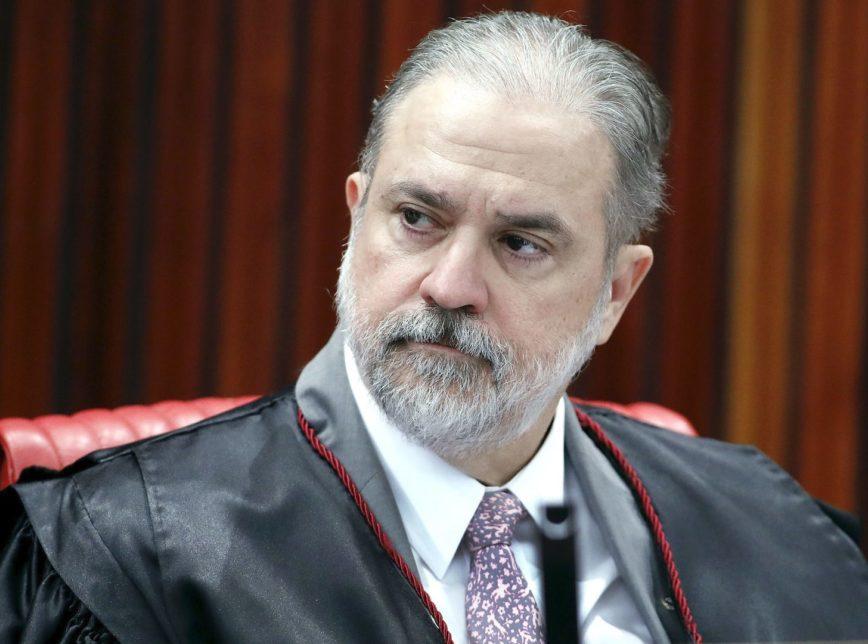 O presidente Jair Bolsonaro bate o martelo nesta quinta-feira (5/9), ao indicar o baiano Augusto Aras com procurador-geral da República no lugar de Raquel Dodge