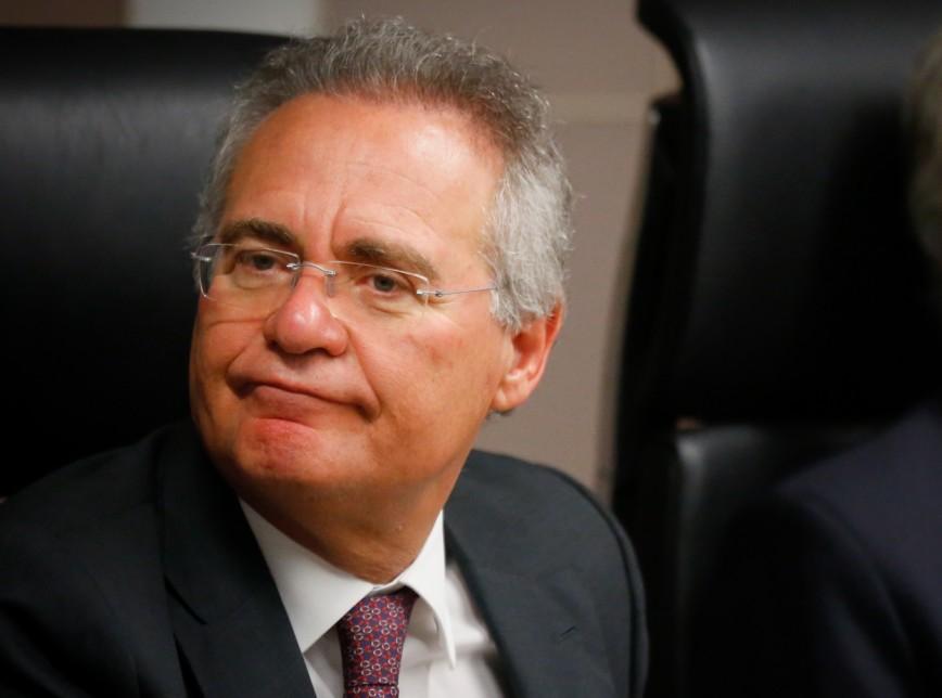 Após ser derrotado no Senado, Renan acusou a jornalista @dorakramer(Veja) de assédio e seu Twitter. Ver mais...