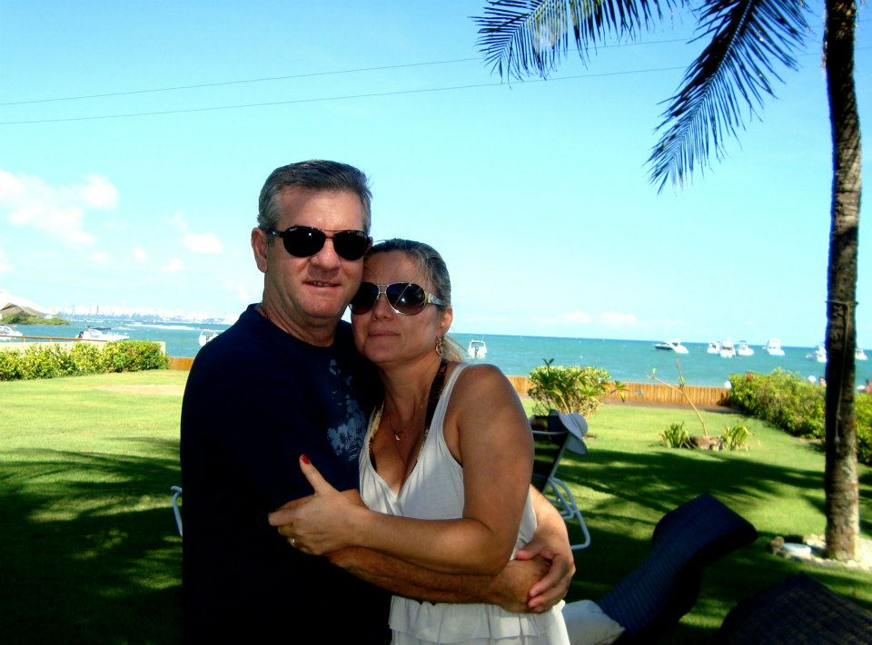 Olívia Oliveira a aniversariante de hoje da 01 de julho, na foto ela está com o esposo Ricardo Oliveira