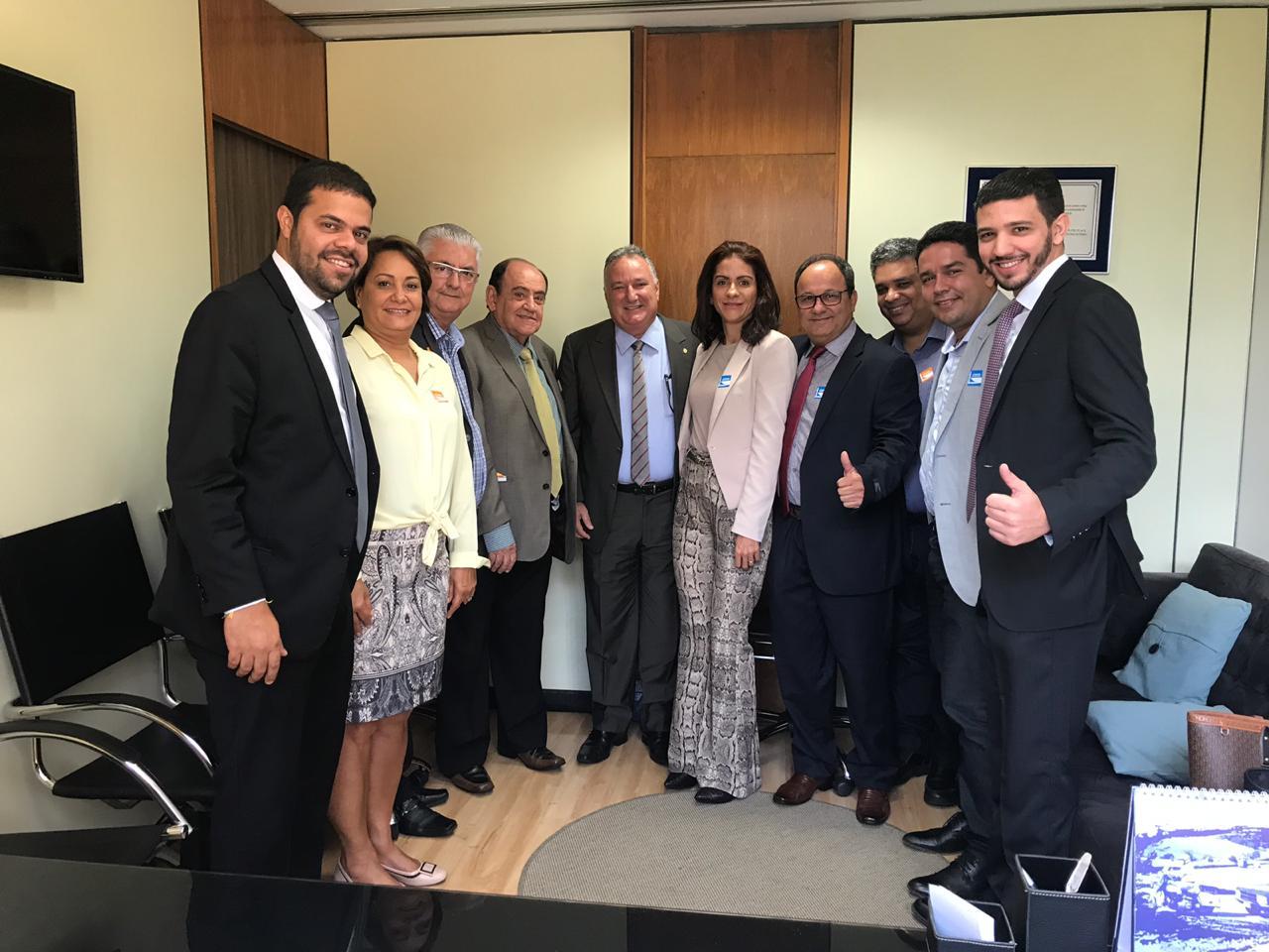 Carletto recebe gestores baianos em Brasília. Ver mais...