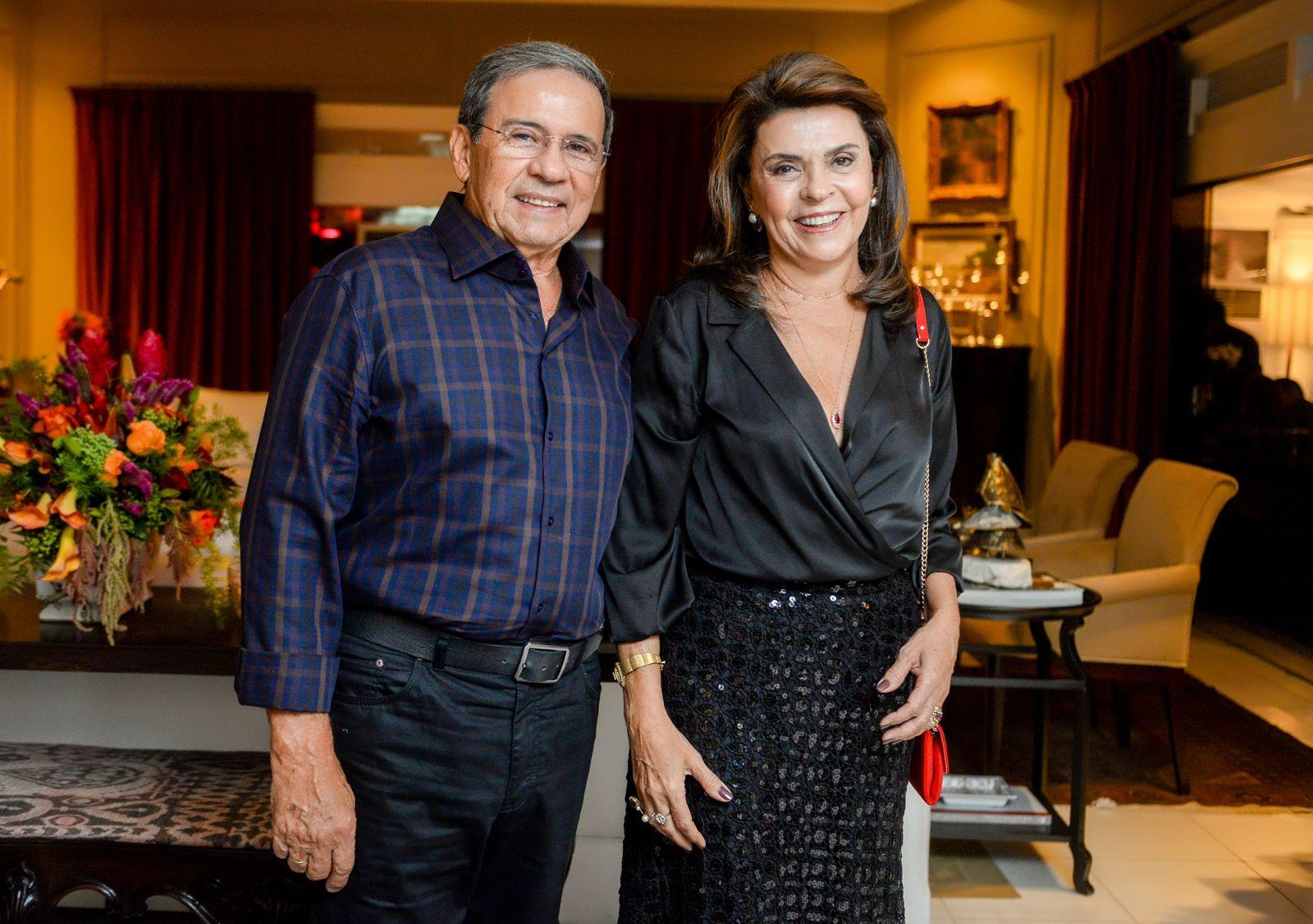 Liége e Márcio Brito é o casal destaque de hoje 12 de abril de 2019