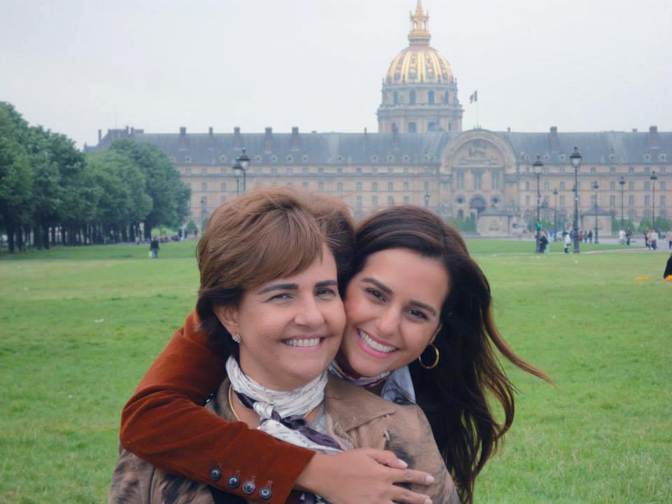 Beta Silva é a bela aniversariante de hoje, na foto ela está com a filha Priscila Silva Valero