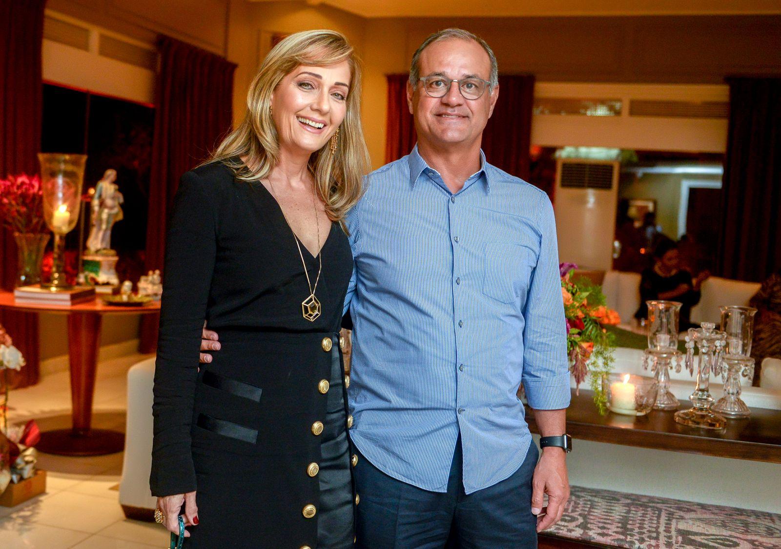 Maria Alice e Mário Mendonça casal destaque no aniversário de Tina Lima