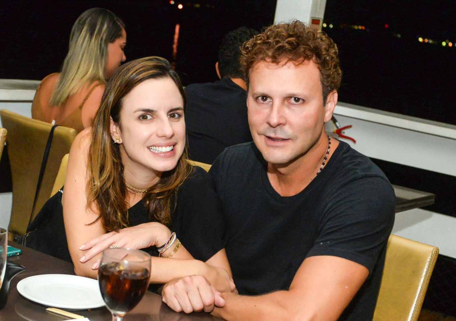Natácia e Antonio Medrado da Dona Empreendimentos Imobiliários jantando no Soho