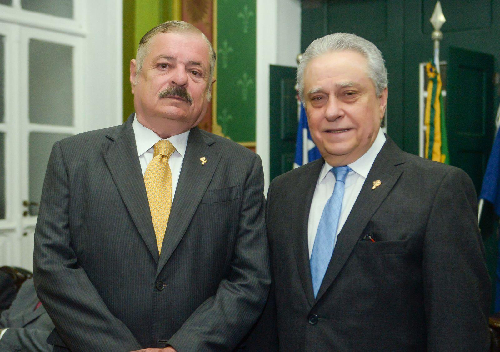 Paulo Lebram recebeu o título de Cidadão da Cidade do Salvador, conferido pelo vereador Pedro Godinho