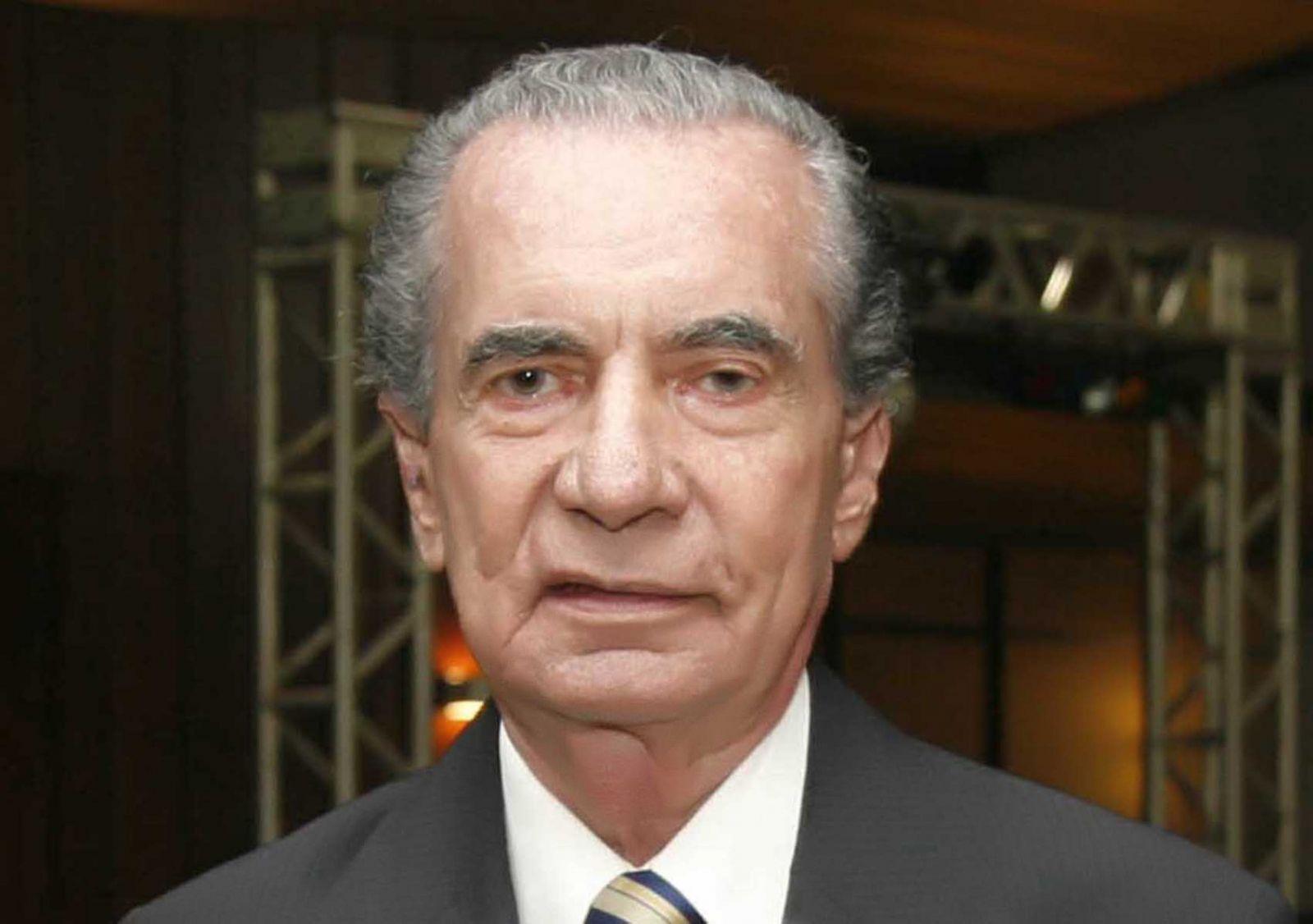 João Durval Carneiro, ex-governador da Bahia é o aniversariante de hoje dia 08 de maio