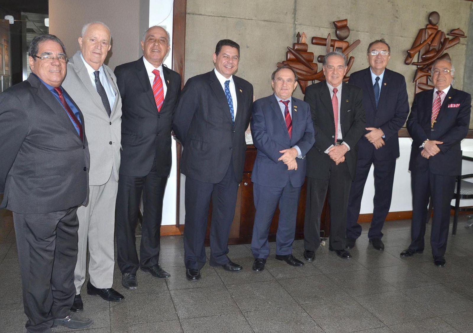 A Casa do Comércio realizou coquetel super, para comemorar os 50 anos da Tribuna da Bahia