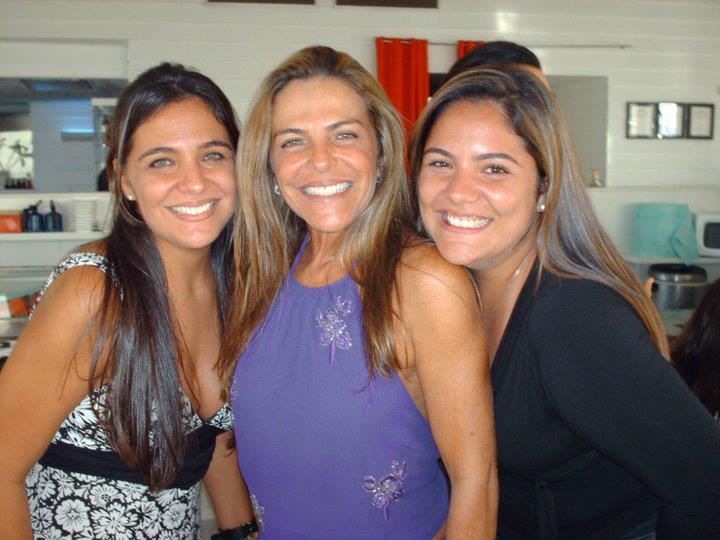 Gilka Maria Lisboa Andrade é a querida aniversariante de hoje 8 de março.Ver mais...