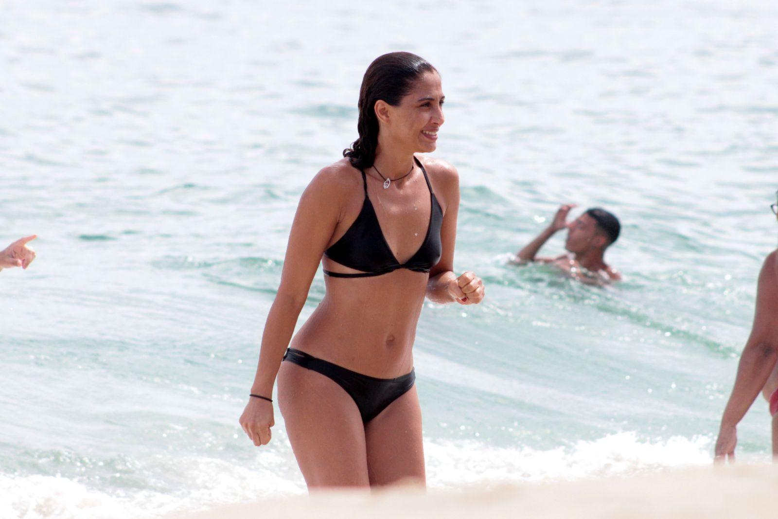 Depois de um ano residindo em Miami, Larissa e Rafael Fernandes chegaram com o filho para alegria do vovô Marcos Ribeiro