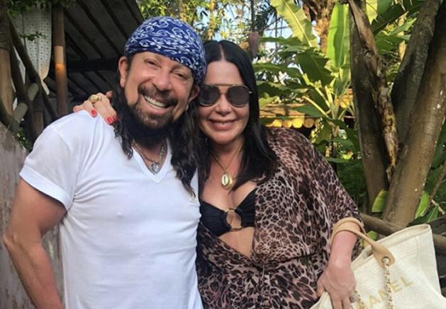 Ana e Bel Marques estão sobre a Bahia de Todos os Santos indo almoçar na Ilha dos Frades
