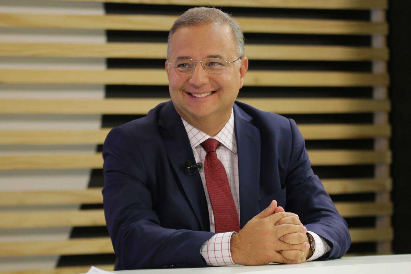 A sociedade baiana está de luto com o falecimento do empresário Buba Weckerle. Ver mais...