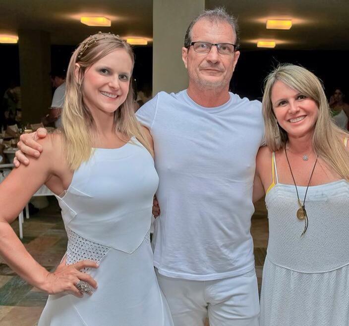 Antonio Saback o aniversariante de hoje dia 08, com sua esposa Jaqueline e sua primogênita