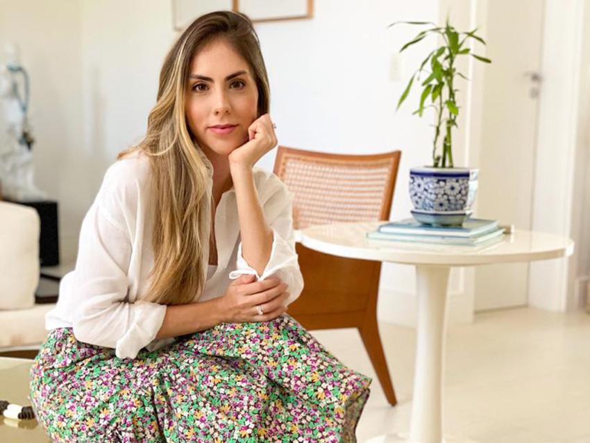 MARIANA ANDRADE PARTICIPA DE LIVE DA CLINICA OSMILTO BRANDÃO