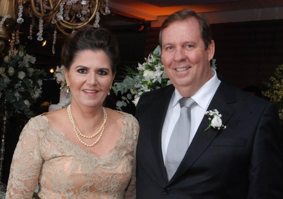 Fred Vieira é o querido aniversariante de hoje dia 21 de setembro, na foto ele está com a sua esposa Monica  Vieira