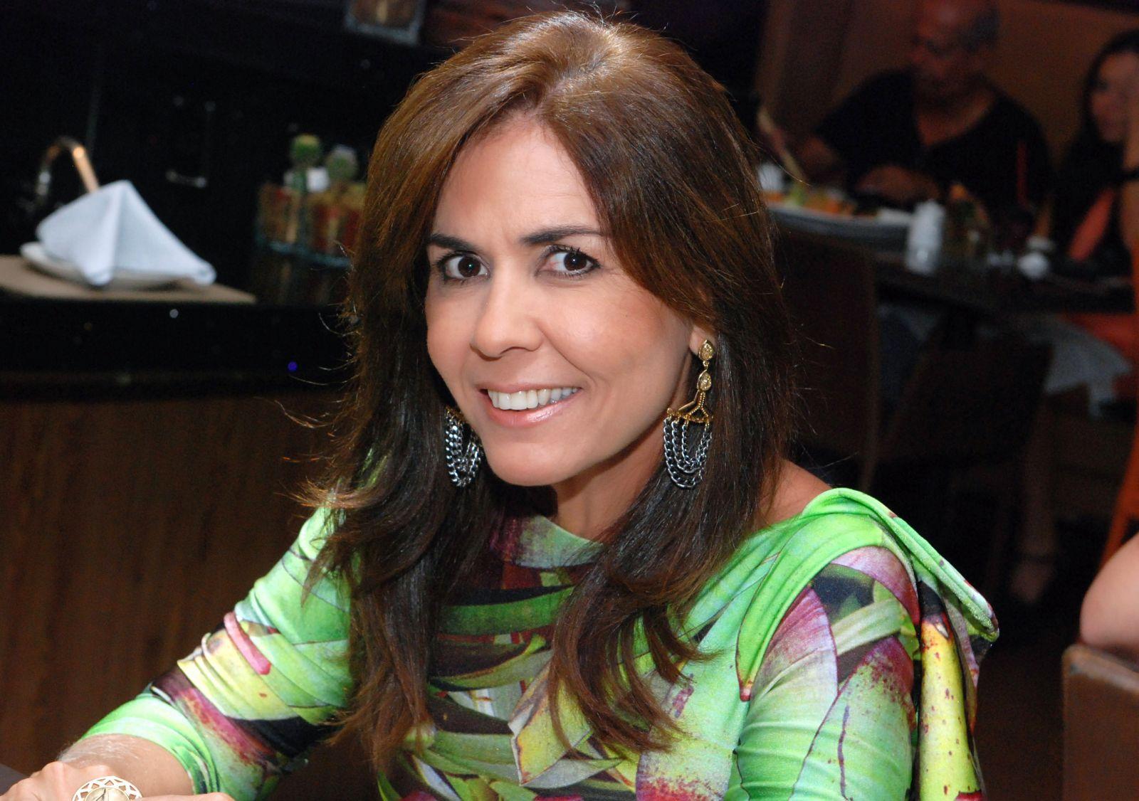 Anna Cláudia Libório destaque total na festa do Trivoli em Praia do Forte