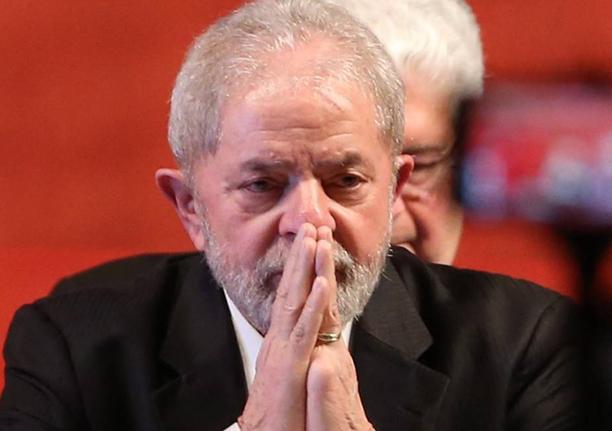 Lula se torna réu em caso de sítio de Atibaia