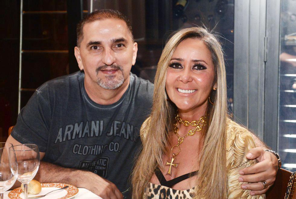 Isabela Dantas a aniversariante de hoje dia 27, na foto ela está com sua mãe, a também arquiteta de interiores Teca Martins