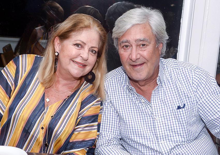 Gracinha Pedreira Lapa e Eric Tubiana de Paris, já estão em Salvador, para passar uma temporada por aqui. Ver mais...