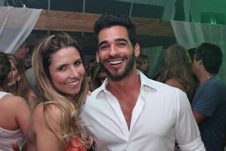 Rafaela Meccia é a bela aniversariante de hoje, na foto ela está com o amigo Marlon Gama