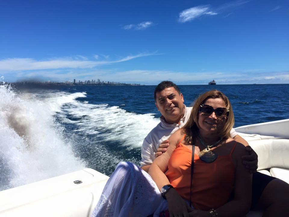 Cristina David(advogada) e Washington Santana em momento de lazer na Bahia de Todos os Santos