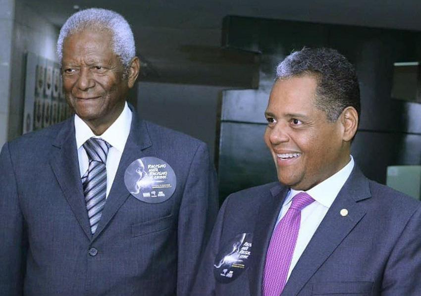Deputado Federal Antonio Brito, é o nobre aniversariante do dia 17 de janeiro na foto ele está com o seu pai Antonio Brito