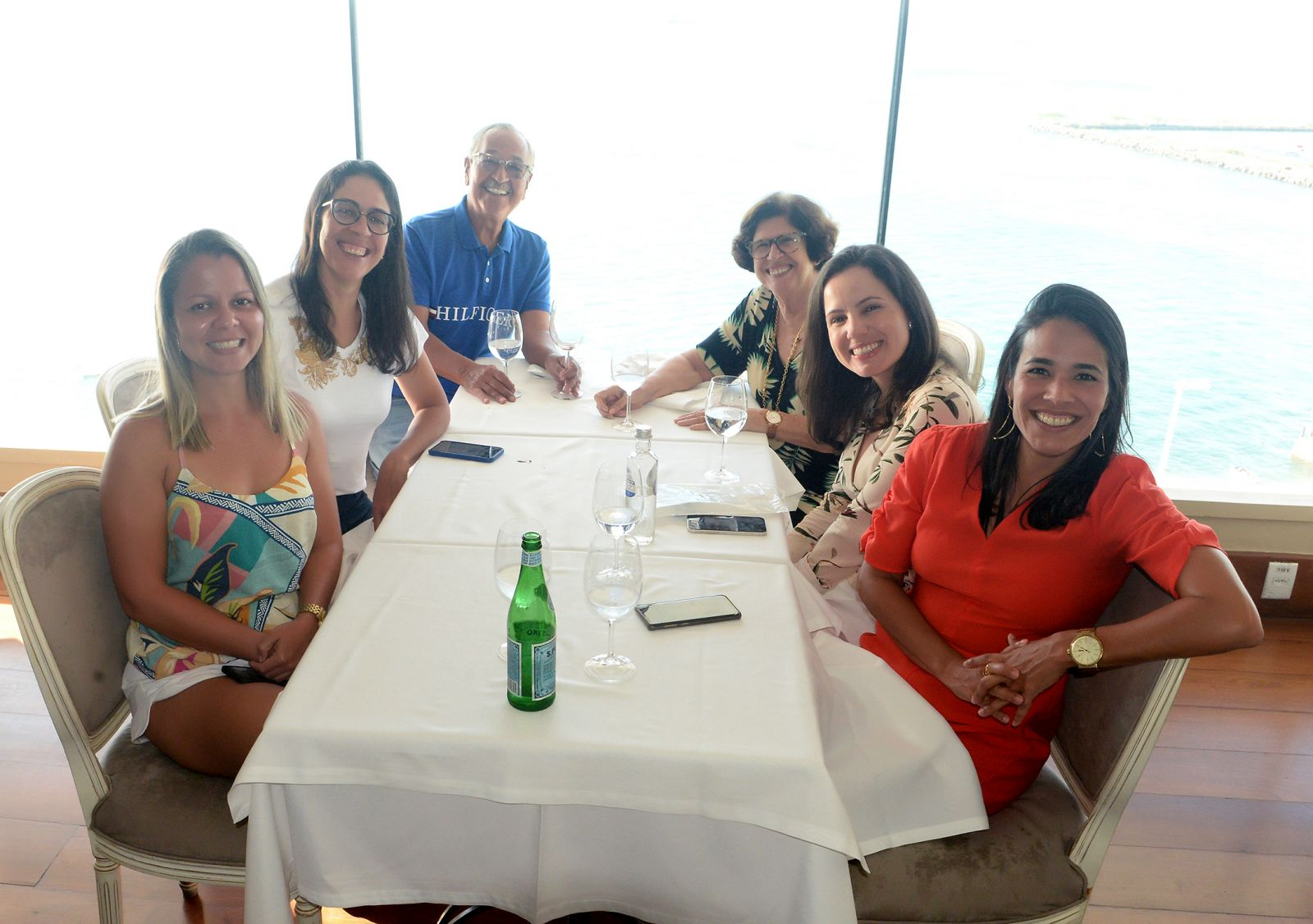Terezinha e Luiz Nascimento almoçando no Chez Bernard em comemoração aos 51 anos de casados