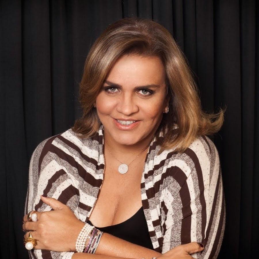 Andrea Velame outra nobre aniversariante do dia 17 de outubro.