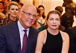 Valtério Pacheco e Verinha Luedy estão convidando você, para um grande almoço. Click para ver o endereço