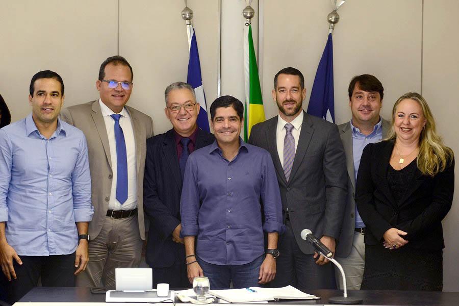 ACM Neto dá posse na manhã de hoje (07) a 05  novos secretários municipais