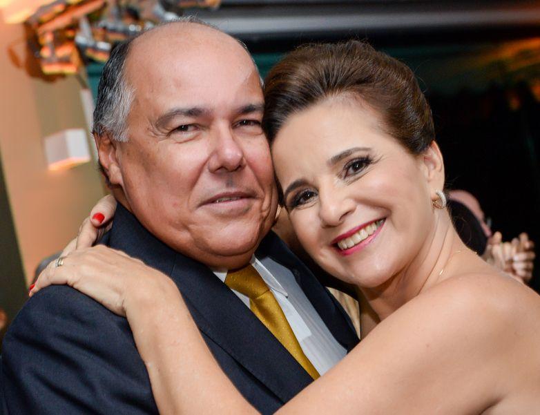 Augusto Affonso  Maciel é o nobre aniversariante de hoje, na foto ele está com a esposa Julieta Costa Pinto