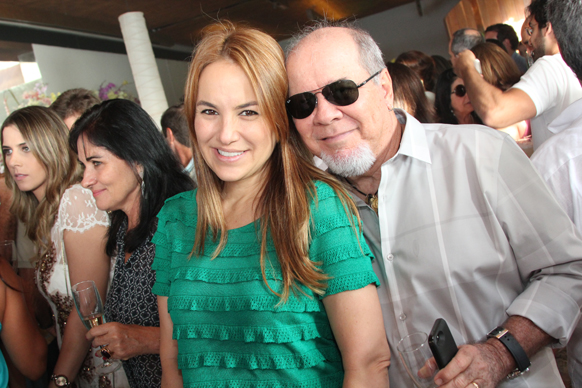Aline Mendonça está aniversariando neste sábado 24. Veja mais...